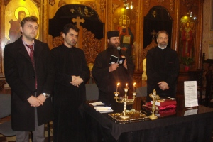 Părintele Chiril: Rugăciunea din biserică – mod de curăţire şi îmbogăţire