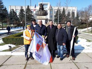 Steagul Unirii a ajuns la Sadova la Vladimir Susarenco si Vladimir Dodon